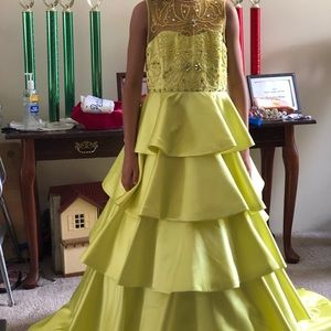 Brand New With Tags Size 10 Custom Couture Gown